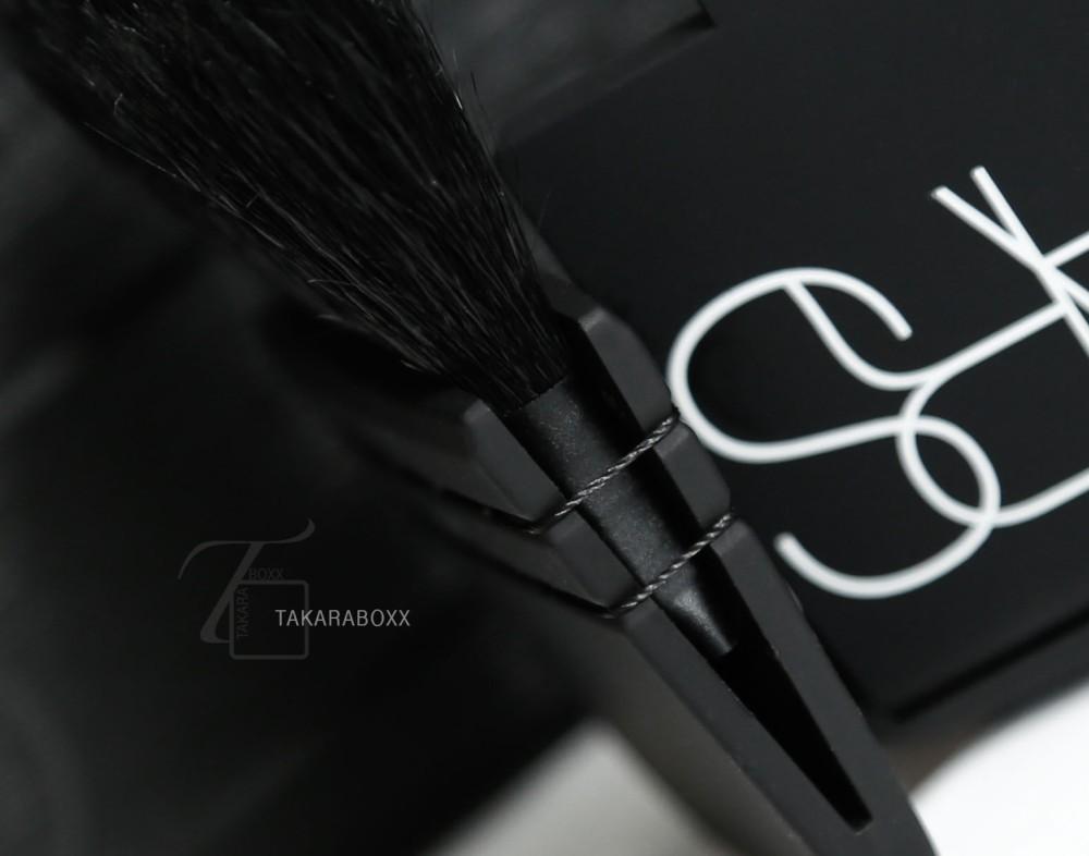 NARS Ita Kabuki Brush Close-Up Details